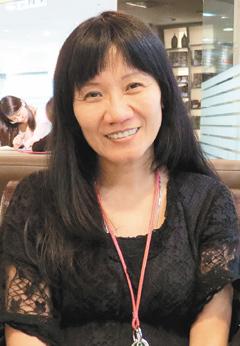 陈丽华在女儿出生后,主动和家扶中心合作,自掏腰包,发起公益活动长达9年之久,陪伴超过上千名家扶儿童成长。(记者许瀚分/摄影)