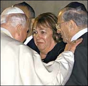 John Paul II met with Edith Zierer for the second time as pope in 2000 at the Yad Vashem Holocaust memorial in Jerusalem.