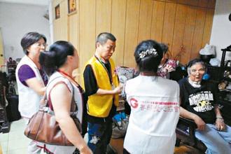 癌症病人组团当志工,回馈善愿爱心协会对他们的帮助。(记者董俞佳/摄影)