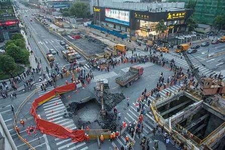 160507 sinkhole in hangzhou